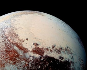 Fotografia della superficie di Plutone presa con lo strumento LORRI di New Horizons da una distanza di 80mila km. Fonte: Science