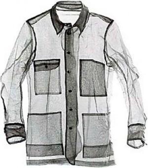 Niente ferro da stiro. Con il tessuto ingegnerizzato dall'italiana Grado Zero Espace, la camicia si stira una volta indossata, grazie alla temperatura corporea. Crediti: Grado Zero Espace / D'Appolonia.