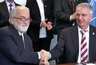 Nichi D'Amico, Presidente INAF, e Tim de Zeeuw, Direttore Generale dell'ESO
