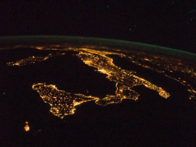 l-italia-vista-dallo-spazio