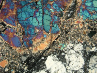 Fotomicrografia d'uno dei campioni lunari dell'Apollo 17. Crediti: Paul Warren, UCLA