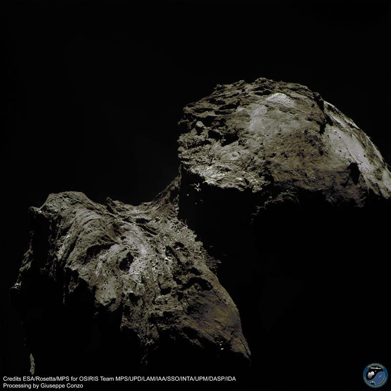 Crediti: ESA/Rosetta/MPS for OSIRIS Team MPS/UPD/LAM/IAA/SSO/INTA/UPM/DASP/IDA. Elaborazione a colori di Giuseppe Conzo