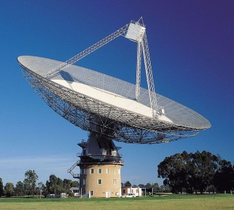 Il radiotelescopio da 64 metri Parkes, situato nel Nuovo Galles del Sud, in Australia. Crediti: CSIRO