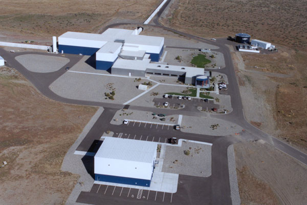 LIGO a Hanford. Crediti: LIGO Laboratory; Gary White (Hanford); Aero-Data, Mark Coles (Livingston)