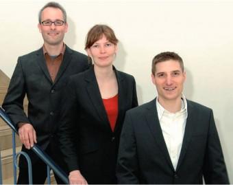 Piet Schmidt (a sx) con alcuni dirigenti del QUEST. Crediti: PTB
