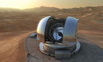 Una rappresentazione artistica di E-ELT, il più grande telescopio ottico al mondo, con uno specchio principale di ben 39 metri di diametro. Crediti: ESO