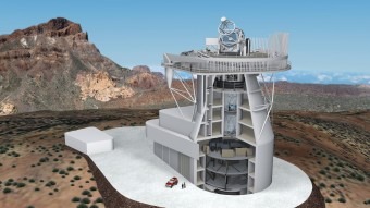 Un rendering dell'European Solar Telescope (EST) e della sua infrastruttura, con le componenti principali: il telescopio e la torre che ospita il percorso ottico, i laboratori al piano focale con i vari strumenti previsti. Crediti: Progetto EST/IAC