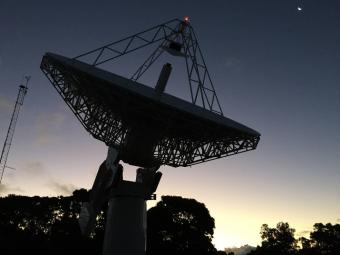 Una delle nuove antenne VOGS della NASA. Crediti: MIT Haystack Observatory/Ganesh Rajagopalan