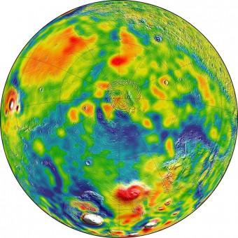 Mappa della gravità di Marte visto da sopra il polo nord. Crediti: NASA/GSFC/Scientific Visualization Studio