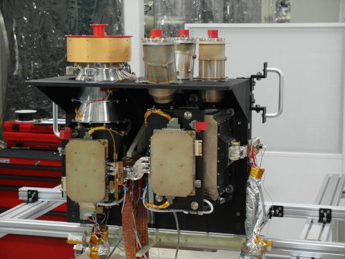 Lo strumento SIMBIO-SYS durante i test a Orsay