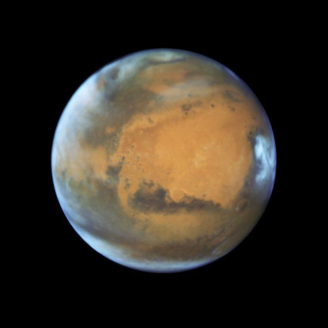 Marte ripreso il 12 maggio 2016 dal telescopio spaziale Hubble. Crediti: NASA, ESA, the Hubble Heritage Team (STScI/AURA), J. Bell (ASU), and M. Wolff (Space Science Institute)
