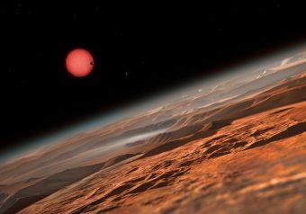 Se c'è atmosfera sugli esopianeti appena scoperti, presto gli scienziati saranno in grado di analizzarla alla ricerca di tracce di vita grazie a nuovi potenti telescopi. Crediti: ESO/M. Kornmesser