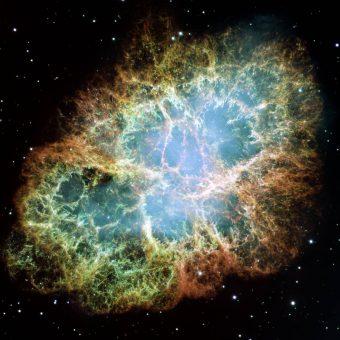 Un'immagine della Nebulosa del Granchio, una delle pulsar wind nebula più famose in assoluto, che si trova a circa 6.500 anni luce da noi e ospita al centro una stella di neutroni in rapida rotazione. Crediti: NASA/ESA/J. Hester e A. Loll (Arizona State University)