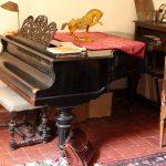 piano-einstein-side