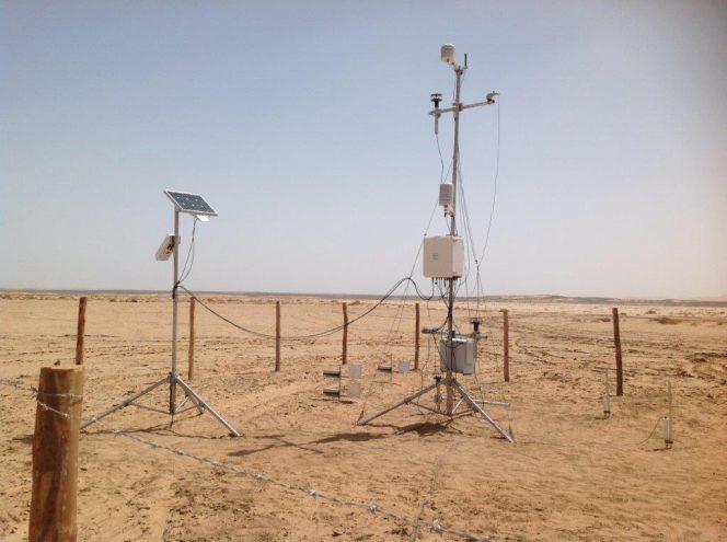 Il team di ricerca ha utilizzato questi strumenti per misurare la velocità del vento, la pressione atmosferica, la temperatura, l'umidità, l'intensità del campo elettrico, e molto altro ancora. Crediti: Francesca Esposito.