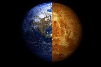 Composizione di due immagini che ritraggono la Terra (a sinistra) e Venere (a destra). Crediti: Arie Wilson Passwaters/Rice University
