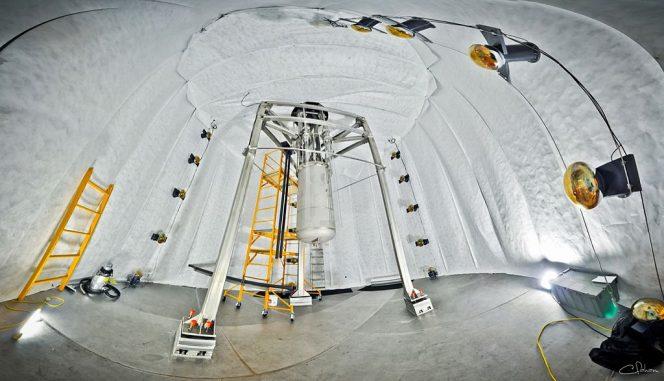 Visione d'insieme dell'esperimento LUX, a 1.500 metri di profondità. Crediti: Wikipedia