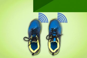I ricercatori dell'MIT hanno sviluppato un prototipo di calzatura dotata di sensori che riescono a trasformare in stimoli tattili le informazioni sul terreno circostante, il tutto con il fine di evitare gli ostacoli o superarli. Crediti immagine: Jose-Luis Olivares/MIT