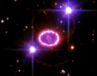 Resto della supernova 1987A, esplosa nella Grande Nube di Magellano, osservata dal telescopio spaziale Hubble. Crediti: NASA