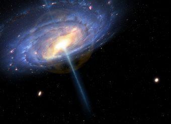 """Rappresentazione artistica della Via Lattea così come poteva apparire 6 milioni di anni fa, durante una fase d'attività di tipo """"quasar"""". S'intravede una soffice bolla arancione estendersi dal centro galattico verso l'esterno per un raggio di circa 20 mila anni luce. Oltre i confini della bolla, la presenza d'una """"nebbia"""" pervasiva fatta di gas caldissimo, un milione di gradi, potrebbe spiegare l'enigma della massa mancante della galassia. Crediti: Mark A. Garlick/CfA"""