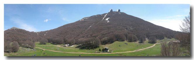 La sommità del Monte Mufara, con i suoi 1865 metri di altitudine, è il sito sul quale è in corso di realizzazione il telescopio robotico con specchio di un metro di diametro cuore delle attività di ricerca che si svolgeranno nel Parco Astronomico delle Madonie.