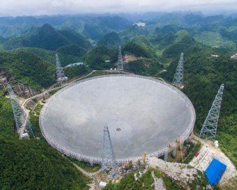 Il radiotelescopio FAST in Cina