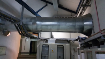 Una delle condotte sotterranee del VLT attraverso cui passa la luce nel suo percorso dal telescopio al Coudé Combined Laboratory