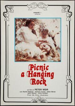 """La locandina italiana del film asutraliano """"Picnic a Hanging Rock"""", di Peter Weir, coprodotto da Gilda Baracchi, nipote di Pietro"""