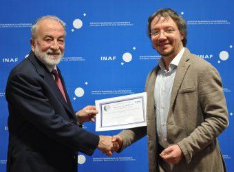 Roberto Peron (a destra) con il presidente dell'INAF Nichi D'Amico. Crediti: Media INAF