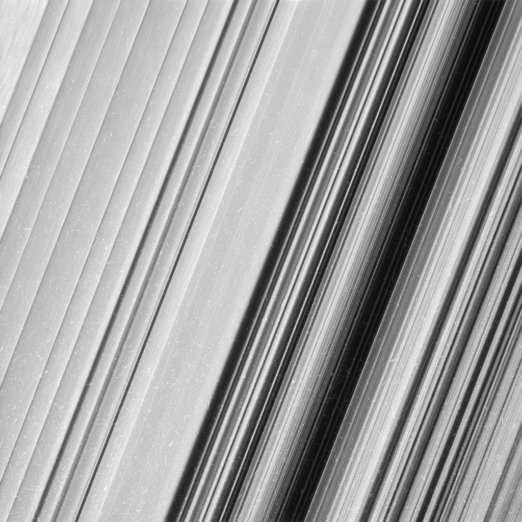 saturn-rings-3