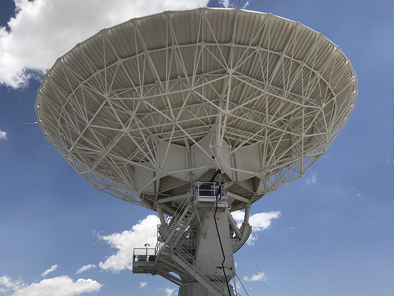 Very-Large-Array-(VLA)-New-Mexico,-one-of-the-antennas