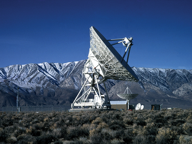 Very-Large-Baseline-Array-(VLBA)-Antenna-in-OwensValley