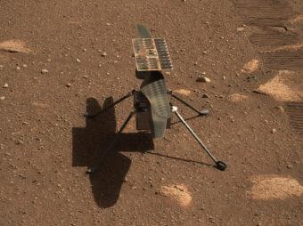 Ingenuity su Marte fotografato da Perseverance