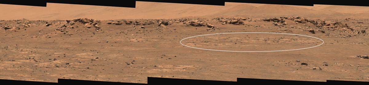 Panorama di Marte scattato dal rover Perseverance. Un ovale mostra il sito selezionato per la raccolta del primo campione.