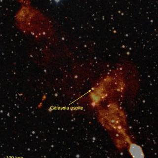 La storia delle galassie scritta nei getti radio